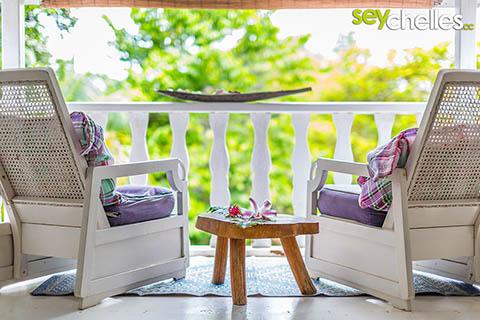 Seychellen bei Schlechtwetter? Einfach auf der Terrasse entspannen!