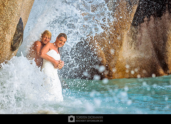 Trash the dress auf La Digue