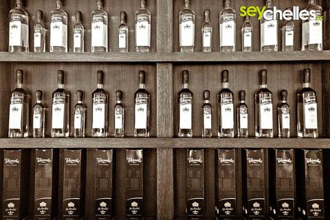 Verschiedene Takamaka Rum Sorten zum Verkosten