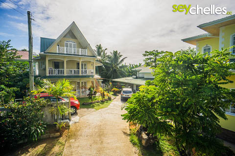 best buget accommodation anse forbans