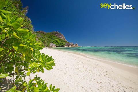 most famous beach on la digue - anse source d´argent
