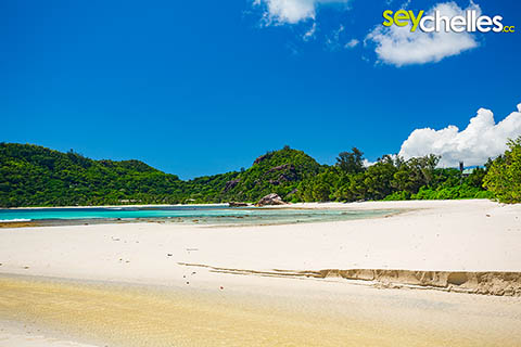 Baie Lazare on Mahé is the Nr. 4 in our Top5 beaches of Seychelles list