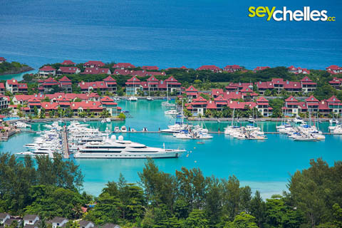 eden island with yachts